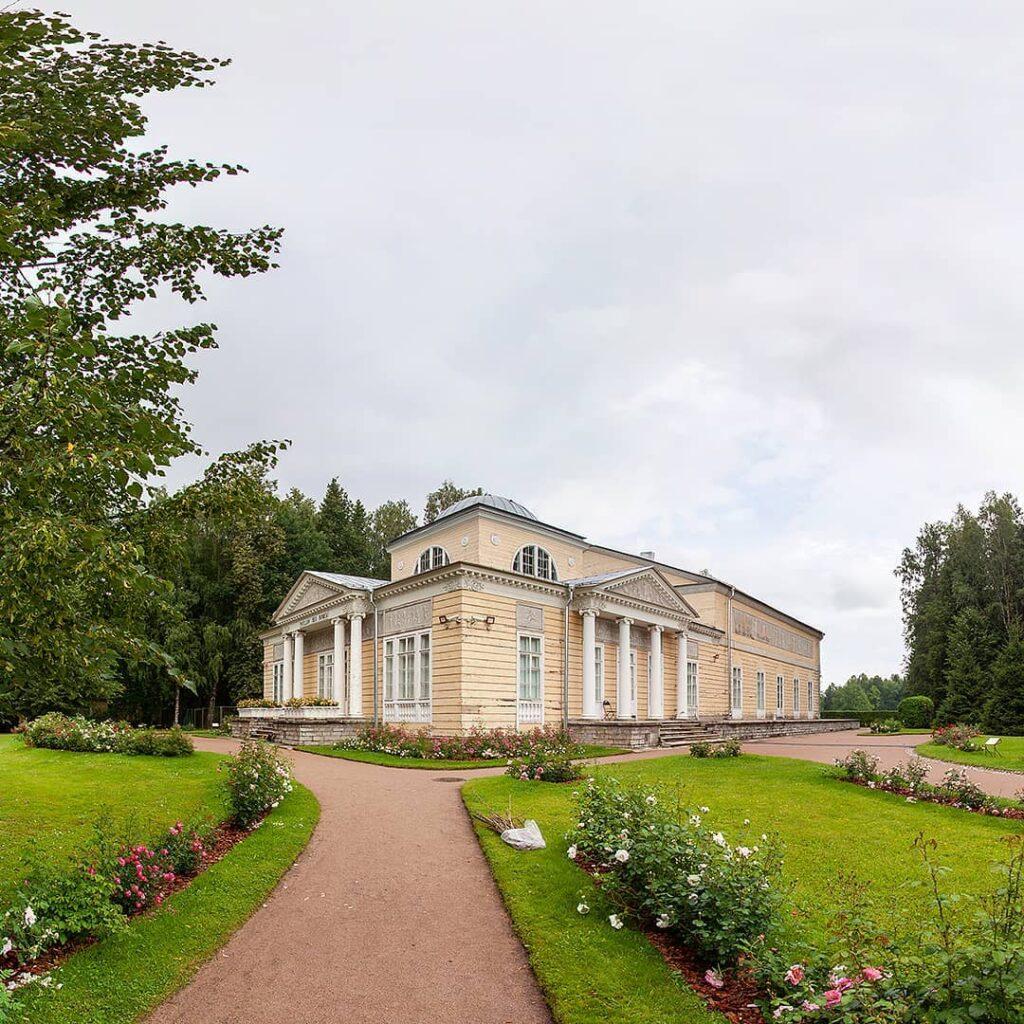 Фото Розового павильона в Павловске