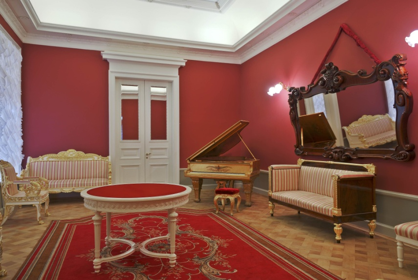 Фотография объекта - Красная гостиная в Петербургской филармонии им. Д.Д. Шостаковича