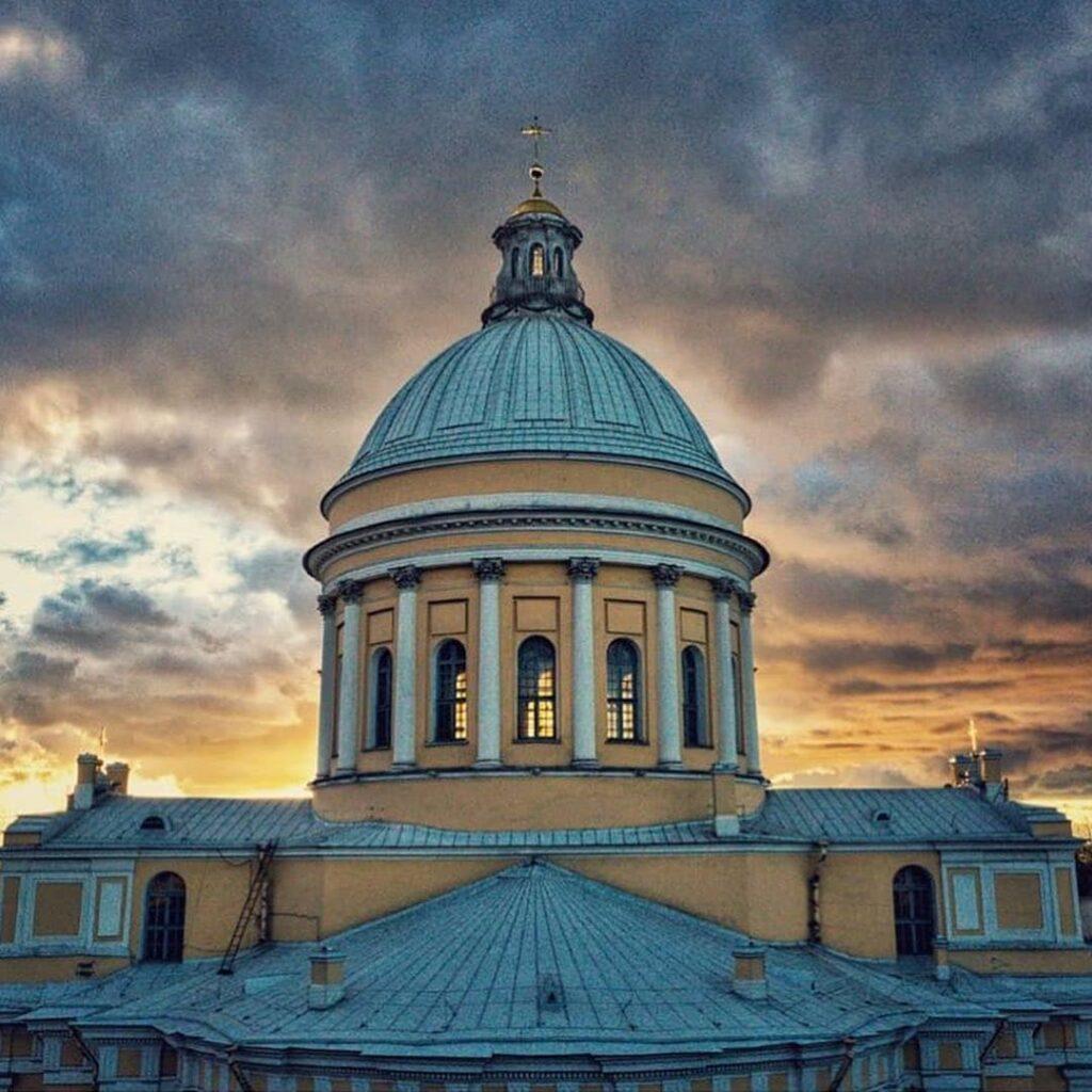 Обложка Александро-Невской Лавры